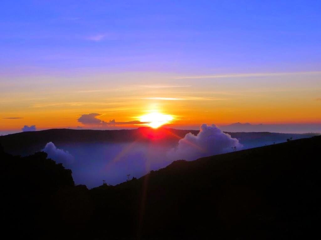25 Gambar Pemandangan Indah Sketsa Gunung Laut Sawah Desa